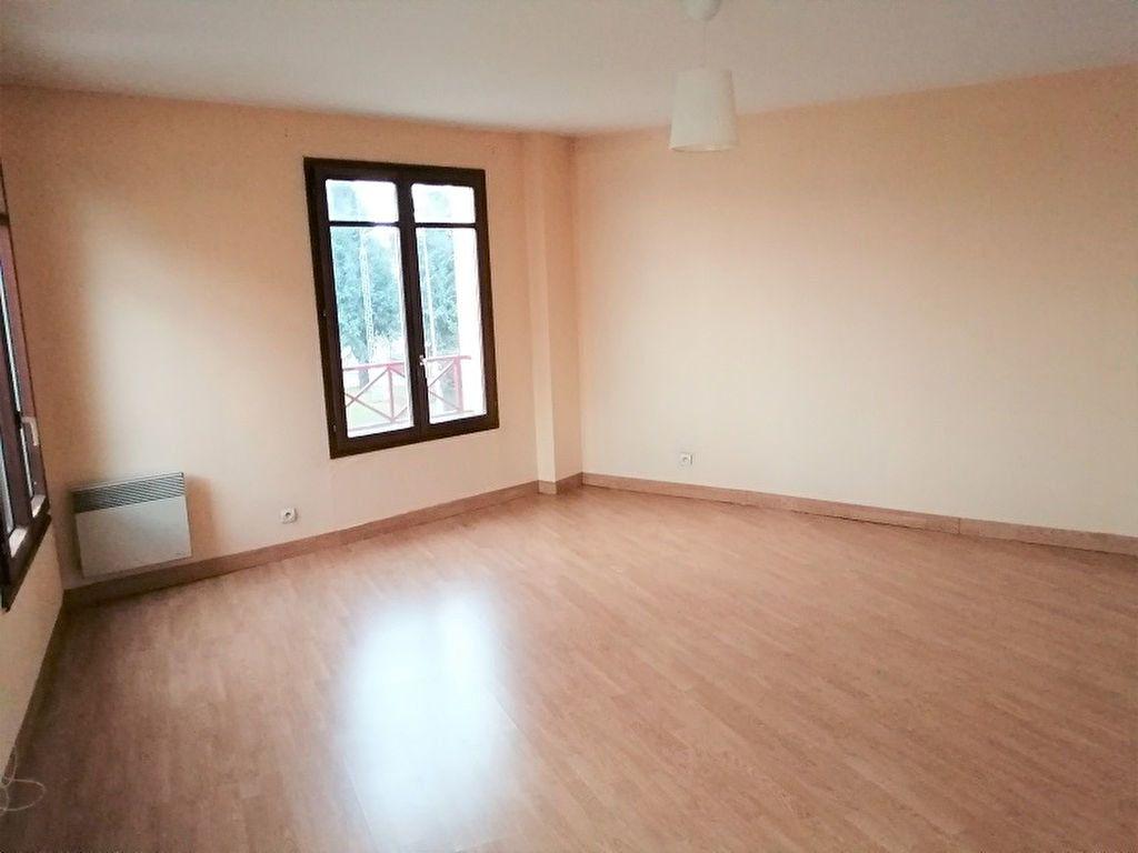 Appartement à louer 2 53m2 à Noisy-le-Grand vignette-3