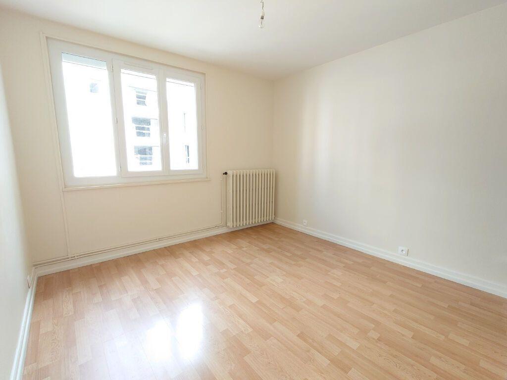 Appartement à louer 2 47m2 à Le Plessis-Trévise vignette-3