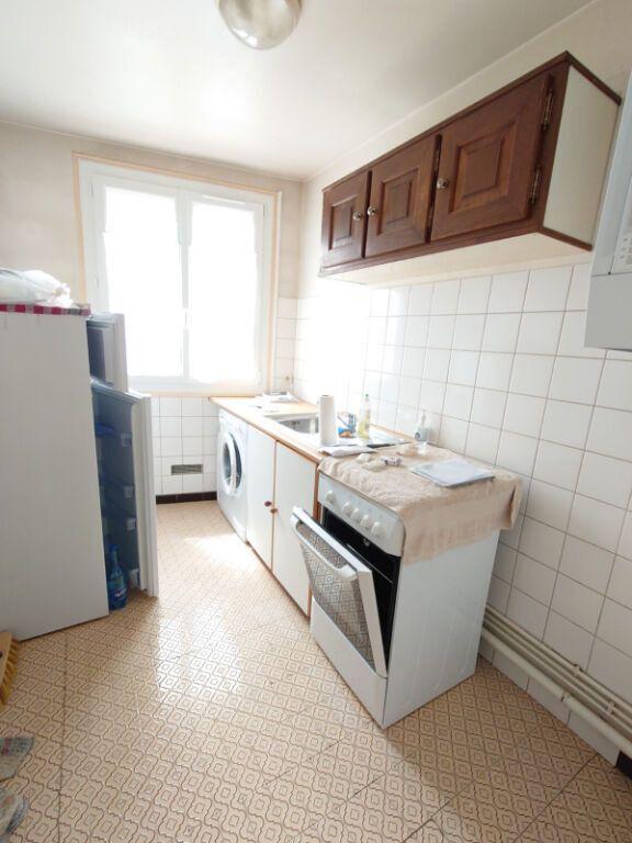 Appartement à louer 1 28.18m2 à Le Plessis-Trévise vignette-3