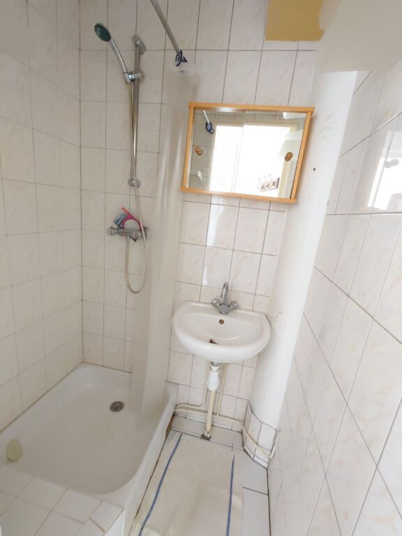 Appartement à louer 1 28.18m2 à Le Plessis-Trévise vignette-4