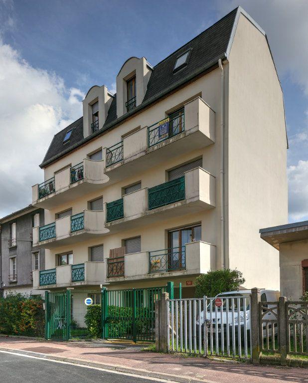 Appartement à louer 4 74m2 à Noisy-le-Grand vignette-1