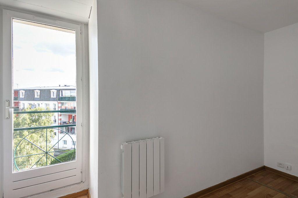 Appartement à louer 4 74m2 à Noisy-le-Grand vignette-6