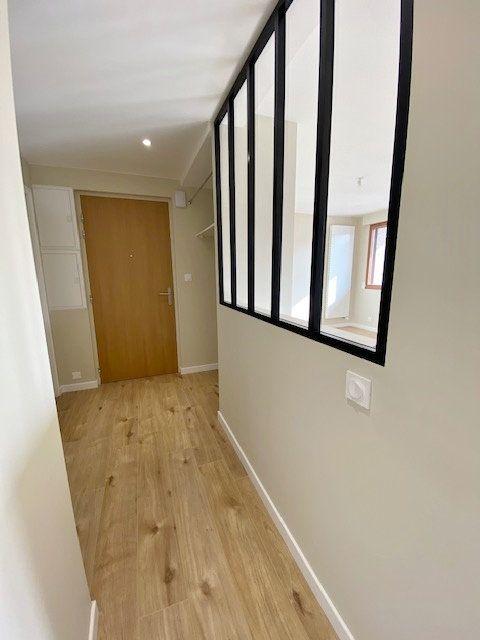 Appartement à louer 5 90.04m2 à Vitré vignette-4
