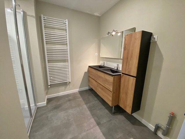 Appartement à louer 5 90.04m2 à Vitré vignette-9
