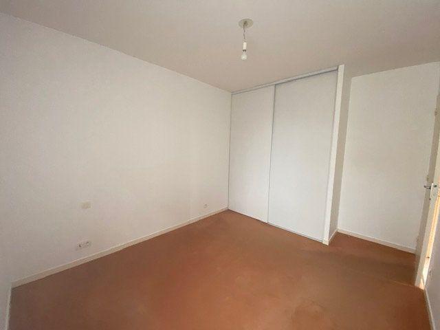Appartement à louer 3 59.6m2 à Vitré vignette-6