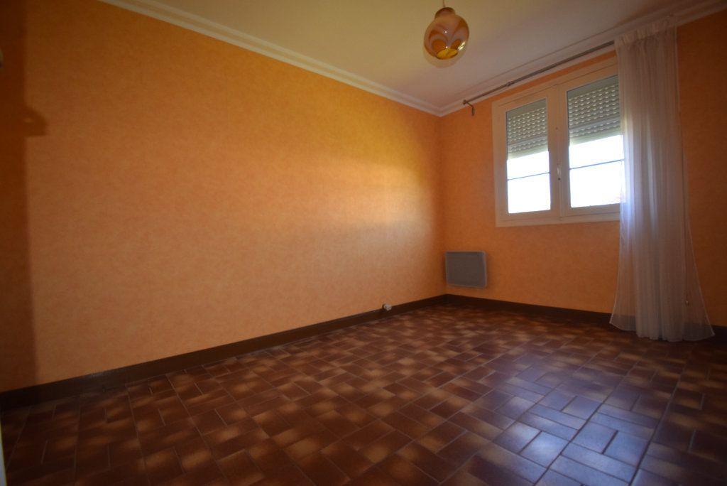 Maison à vendre 4 68m2 à Saint-Pierre-la-Cour vignette-9