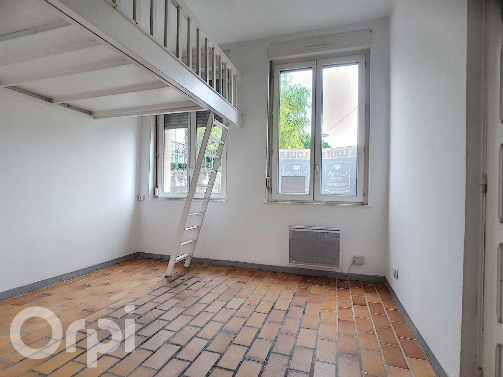 Appartement à louer 1 15.8m2 à Fère-en-Tardenois vignette-2