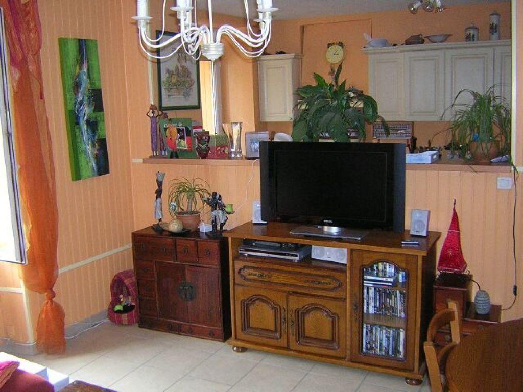 Appartement à louer 4 100m2 à Saillat-sur-Vienne vignette-2