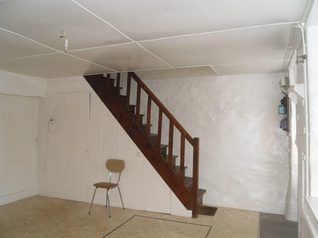 Maison à louer 2 60m2 à Saillat-sur-Vienne vignette-5