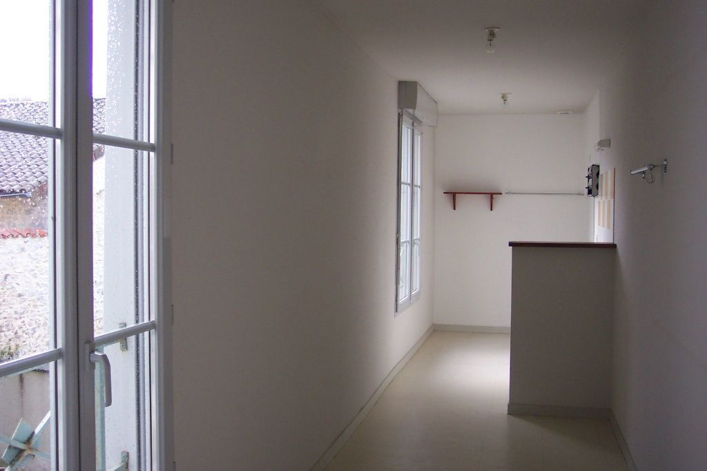 Appartement à louer 3 73m2 à Saint-Junien vignette-5