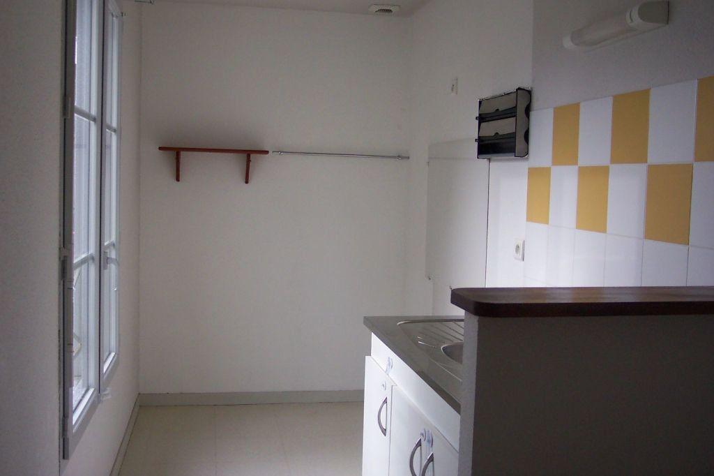 Appartement à louer 3 73m2 à Saint-Junien vignette-6