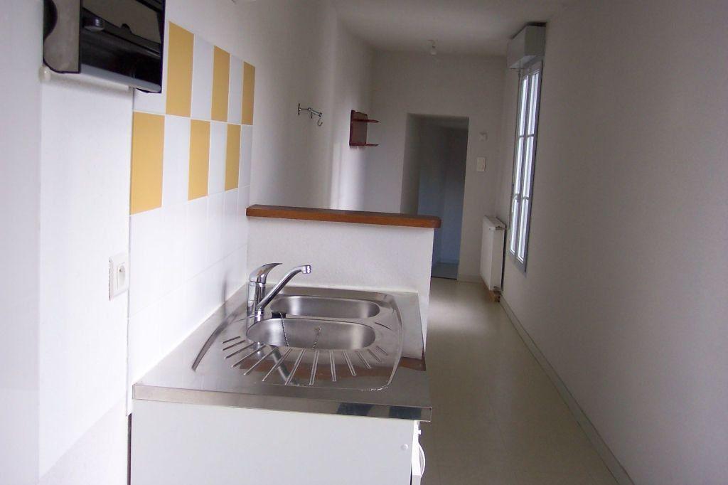 Appartement à louer 3 73m2 à Saint-Junien vignette-7