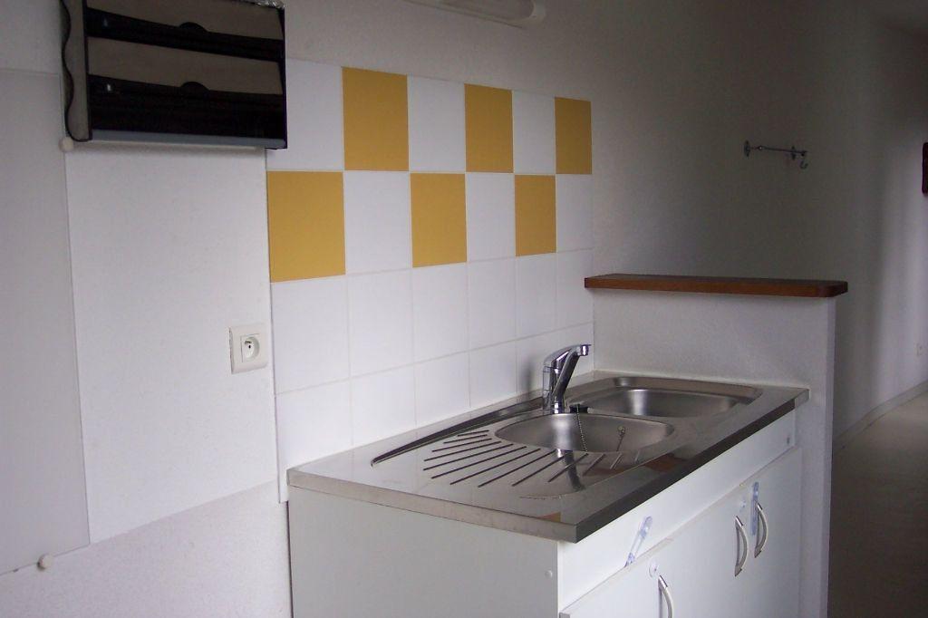 Appartement à louer 3 73m2 à Saint-Junien vignette-8