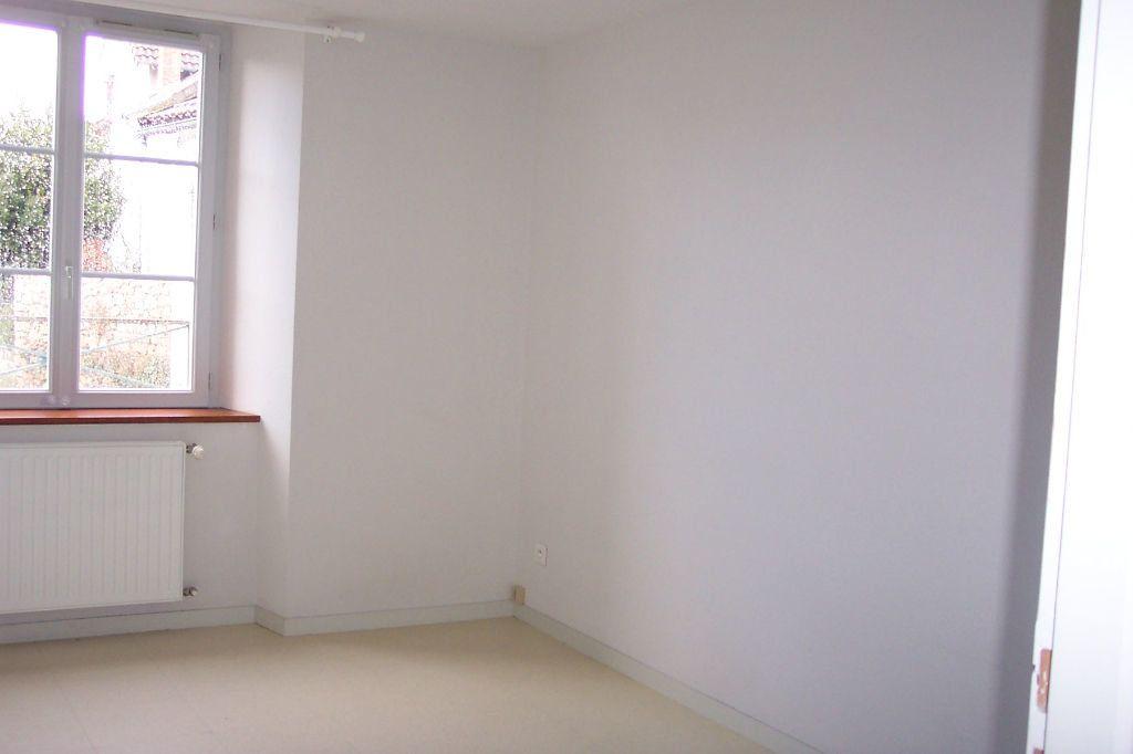 Appartement à louer 3 73m2 à Saint-Junien vignette-14