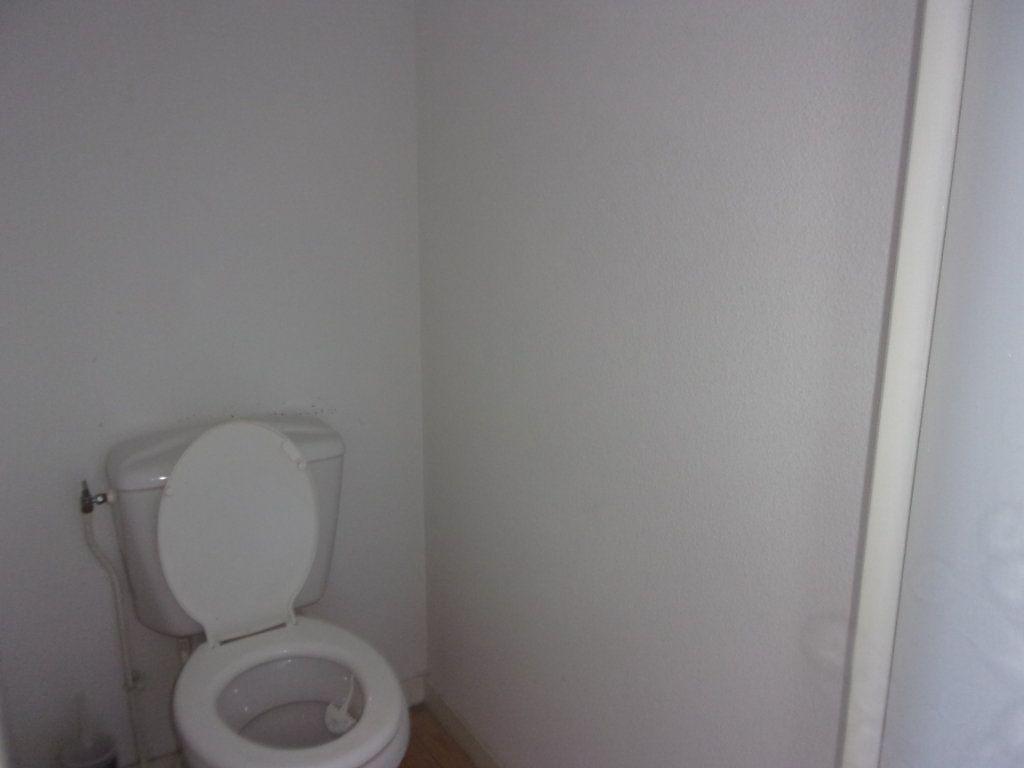 Appartement à louer 3 64m2 à Saint-Junien vignette-10