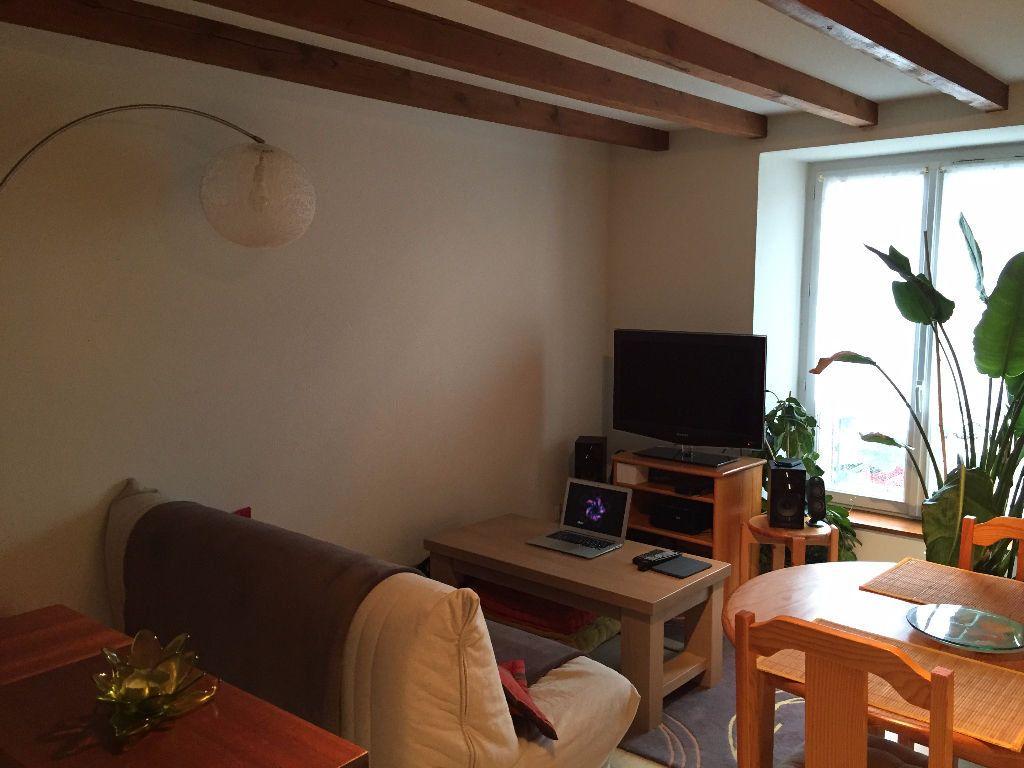 Appartement à louer 3 60m2 à Saint-Junien vignette-3