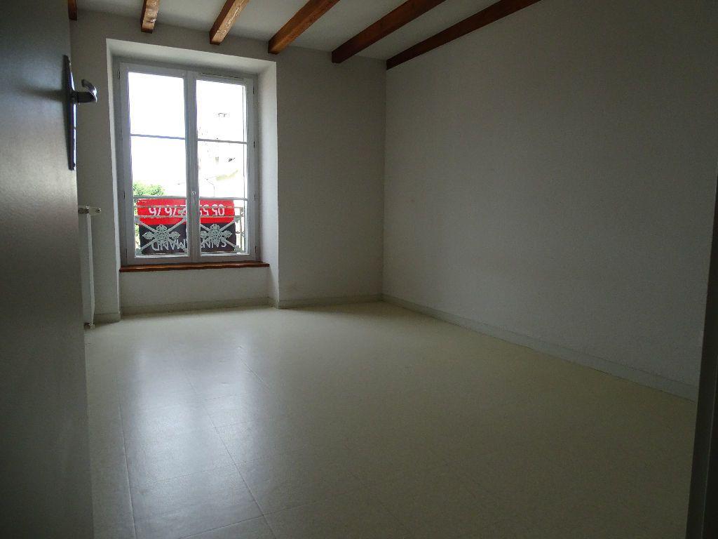 Appartement à louer 3 60m2 à Saint-Junien vignette-5