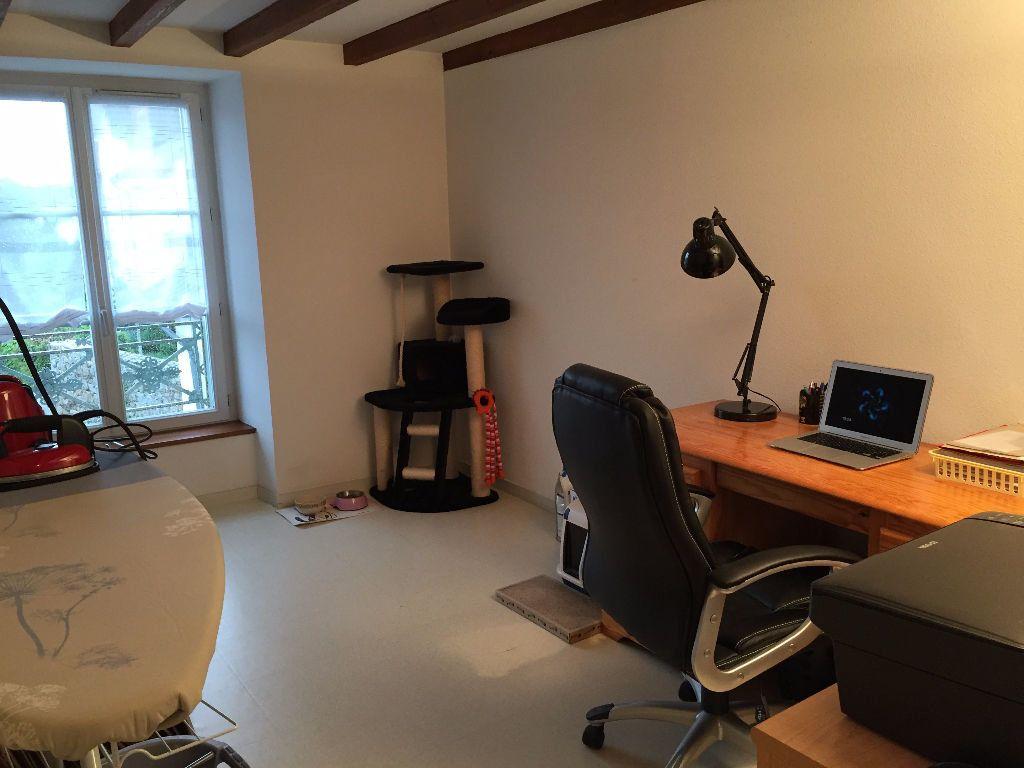 Appartement à louer 3 60m2 à Saint-Junien vignette-6