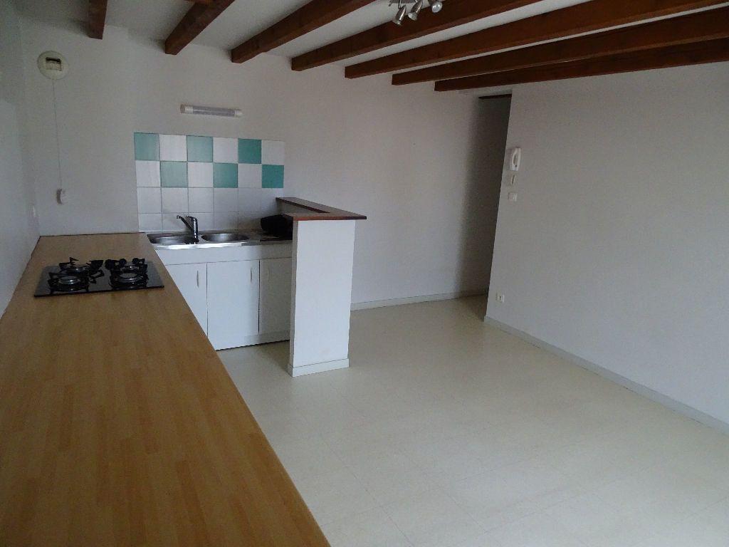Appartement à louer 3 60m2 à Saint-Junien vignette-8