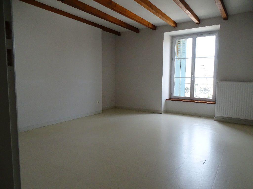 Appartement à louer 3 60m2 à Saint-Junien vignette-9