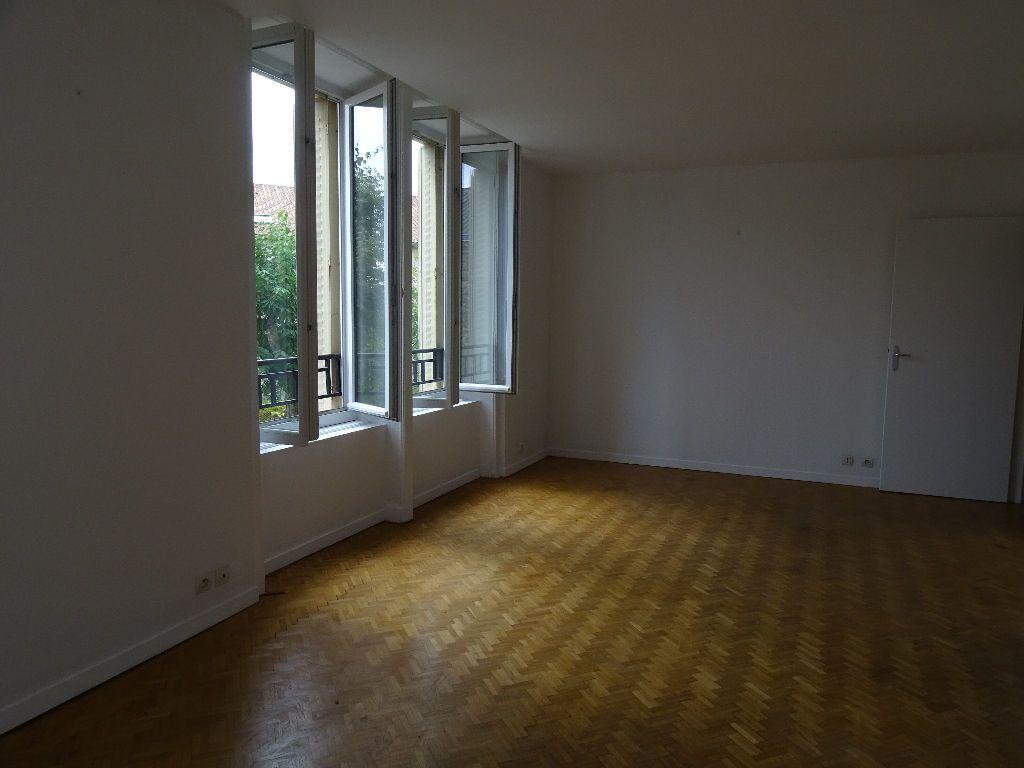 Appartement à louer 3 66m2 à Saint-Junien vignette-5