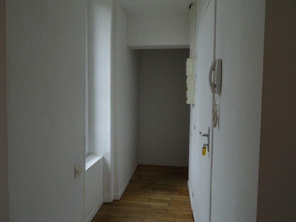 Appartement à louer 3 66m2 à Saint-Junien vignette-7