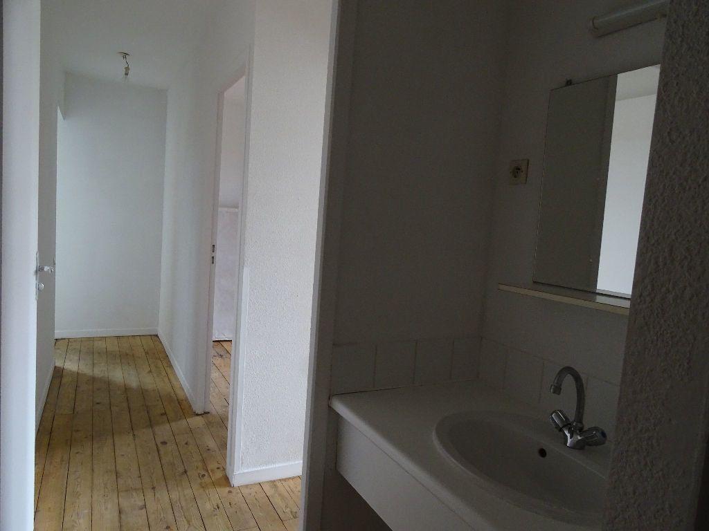 Appartement à louer 3 66m2 à Saint-Junien vignette-8