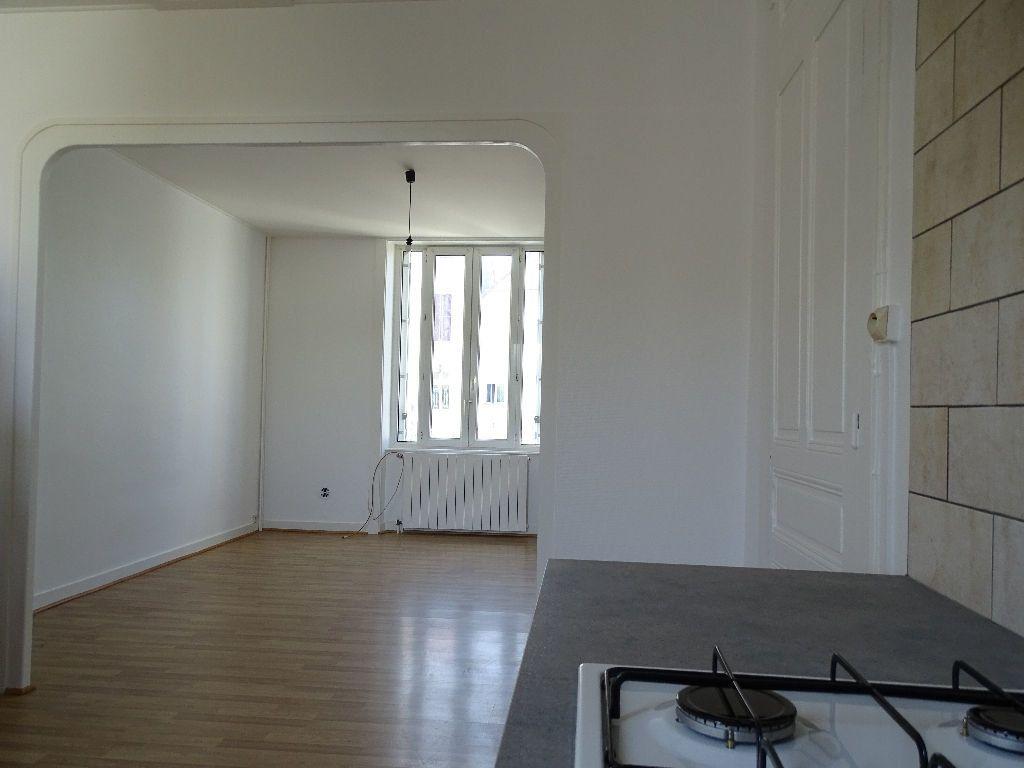 Maison à louer 6 111.5m2 à Saint-Junien vignette-14