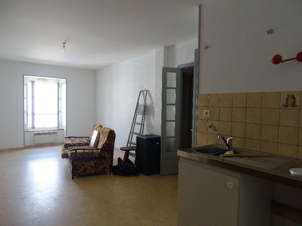 Appartement à louer 2 50m2 à Saint-Junien vignette-4