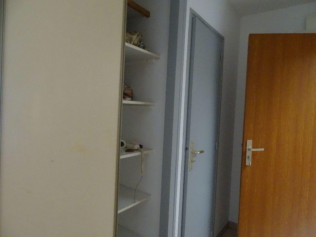 Appartement à louer 2 50m2 à Saint-Junien vignette-9