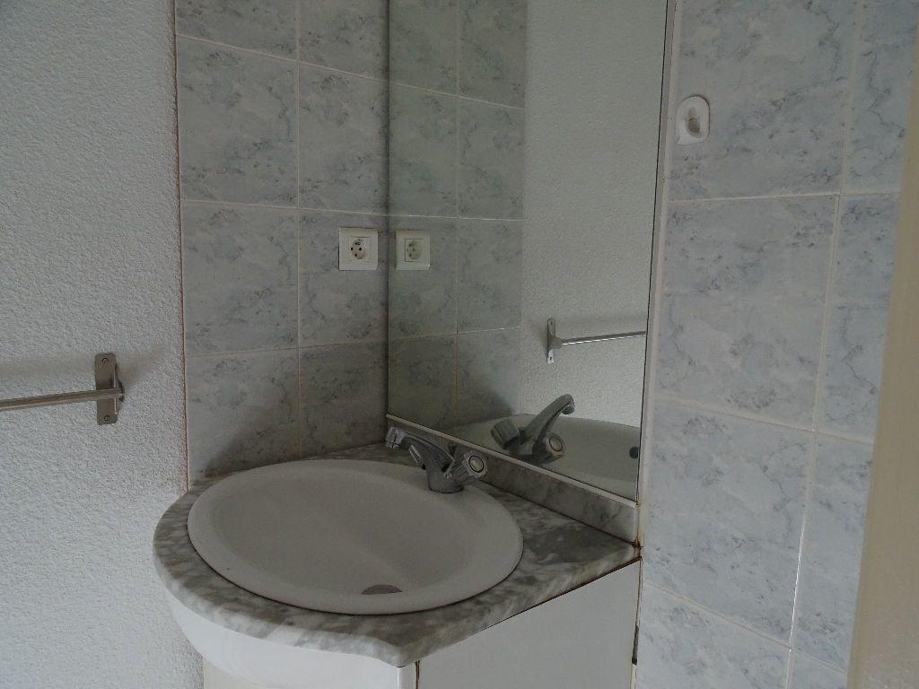 Appartement à louer 2 51m2 à Saint-Junien vignette-7