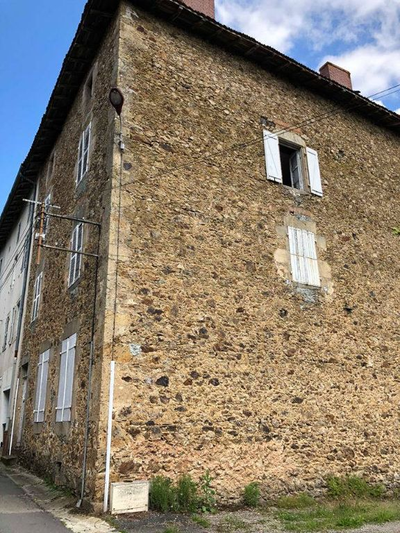 Maison à vendre 11 250m2 à Rochechouart vignette-1