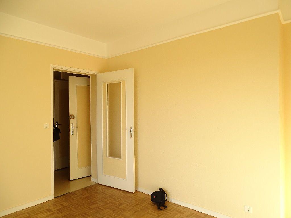 Appartement à louer 2 41m2 à Saint-Junien vignette-5