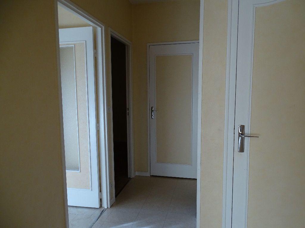 Appartement à louer 2 41m2 à Saint-Junien vignette-9