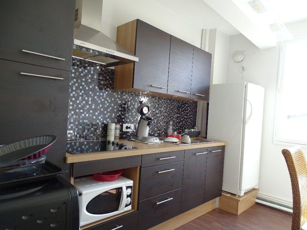 Appartement à vendre 3 69m2 à Saint-Junien vignette-1