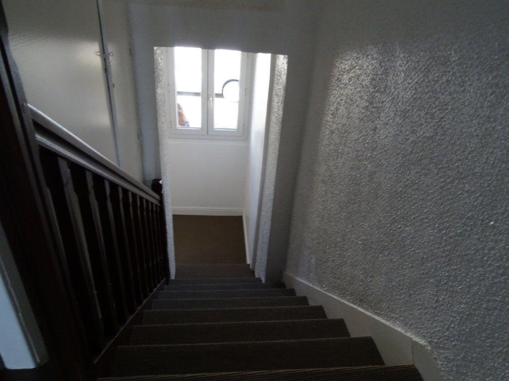 Appartement à louer 3 70m2 à Saint-Junien vignette-2