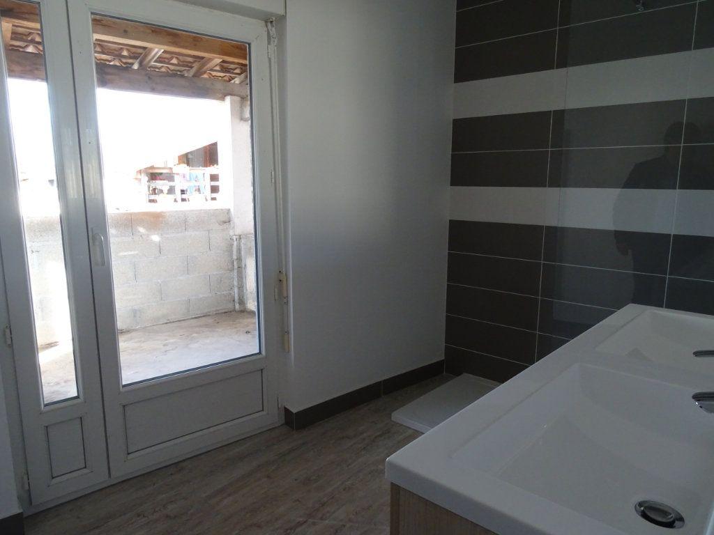 Appartement à louer 3 70m2 à Saint-Junien vignette-4