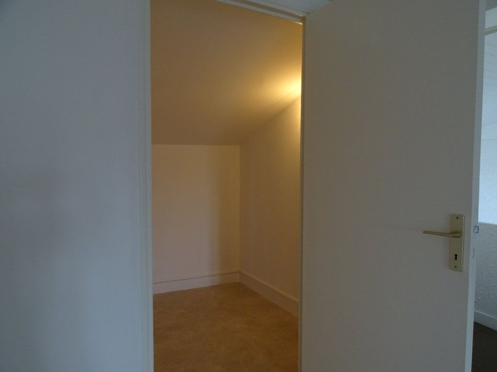 Appartement à louer 3 70m2 à Saint-Junien vignette-9