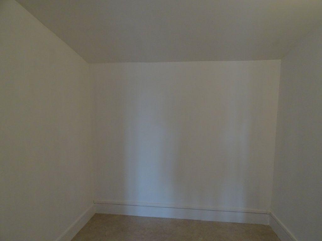 Appartement à louer 3 70m2 à Saint-Junien vignette-10