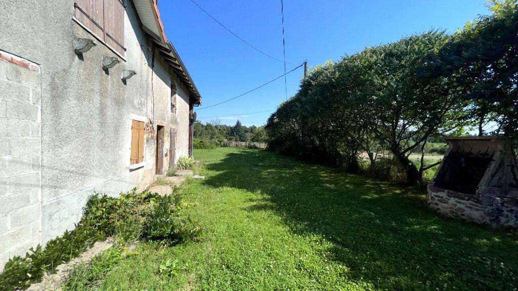 Maison à vendre 0 295m2 à Rochechouart vignette-5