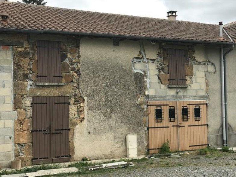 Immeuble à vendre 0 295m2 à Rochechouart vignette-16