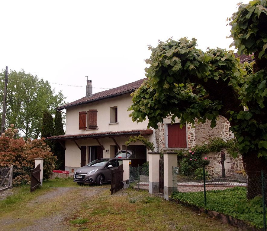 Maison à vendre 8 228m2 à Chassenon vignette-1