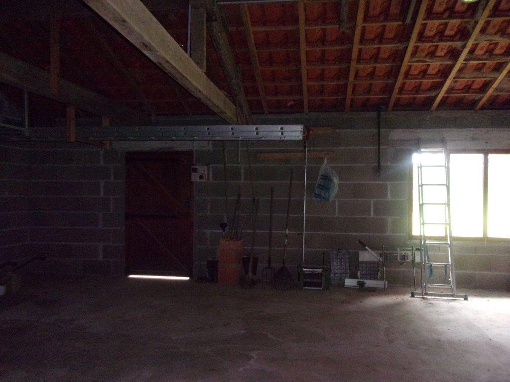 Maison à vendre 8 228m2 à Chassenon vignette-16