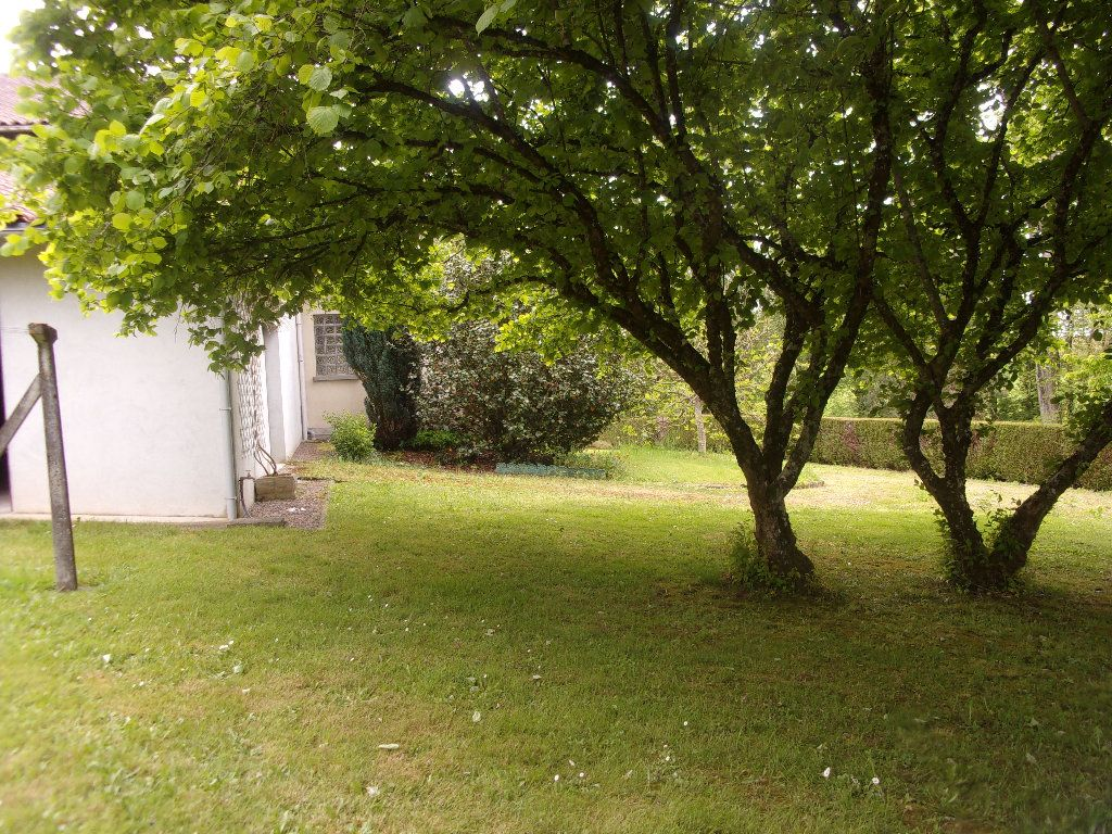 Maison à vendre 8 228m2 à Chassenon vignette-17