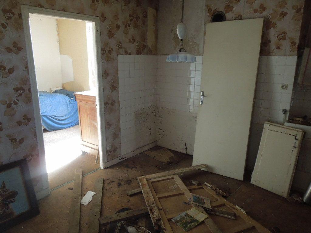 Maison à vendre 4 80m2 à Chassenon vignette-5