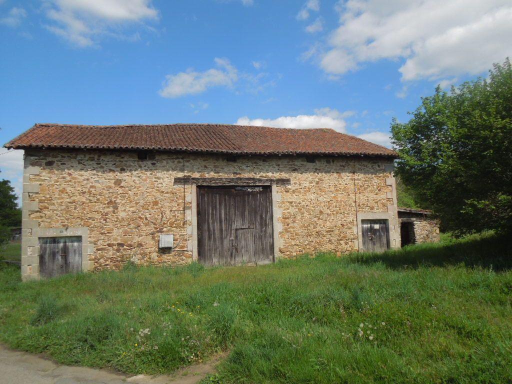 Maison à vendre 1 210m2 à Saint-Junien vignette-1