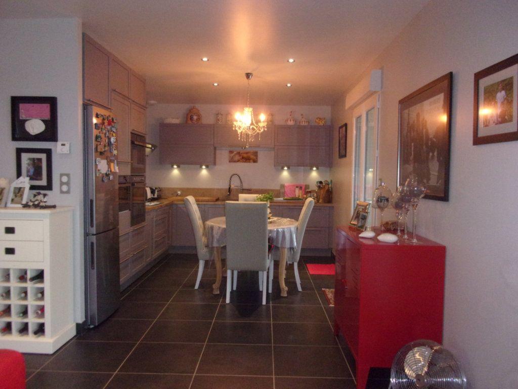 Maison à vendre 6 150m2 à Lésignac-Durand vignette-2