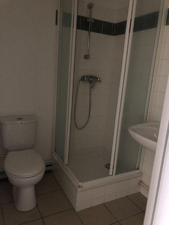 Appartement à louer 1 30m2 à Saint-Junien vignette-7