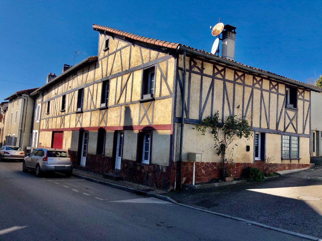 Maison à vendre 5 173m2 à Saint-Victurnien vignette-1