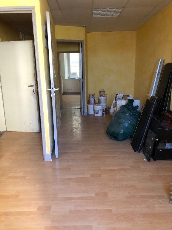 Immeuble à vendre 0 300m2 à Saint-Junien vignette-4